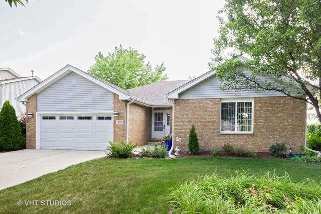 631 Superior Drive, Romeoville, IL 60446 (MLS #10377111) :: Berkshire Hathaway HomeServices Snyder Real Estate