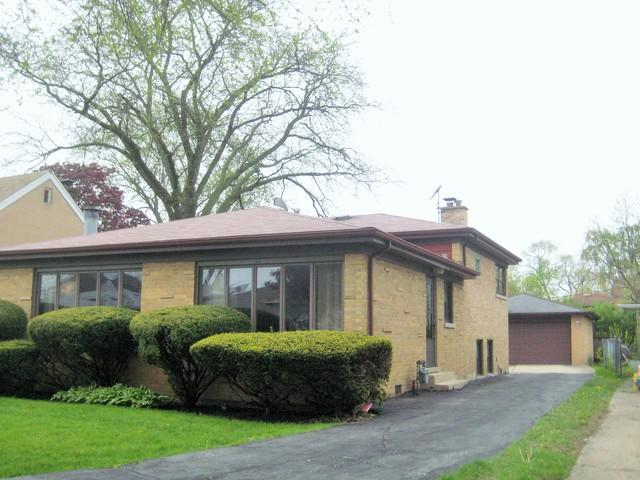 3827 W Fitch Avenue, Lincolnwood, IL 60712 (MLS #10377440) :: Berkshire Hathaway HomeServices Snyder Real Estate