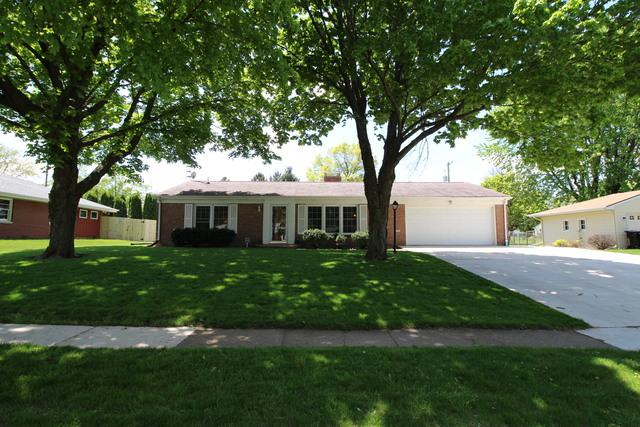 207 Mecherle Drive, Bloomington, IL 61701 (MLS #10377543) :: Berkshire Hathaway HomeServices Snyder Real Estate