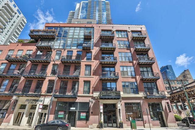 300 W Grand Avenue #503, Chicago, IL 60654 (MLS #10377582) :: Domain Realty