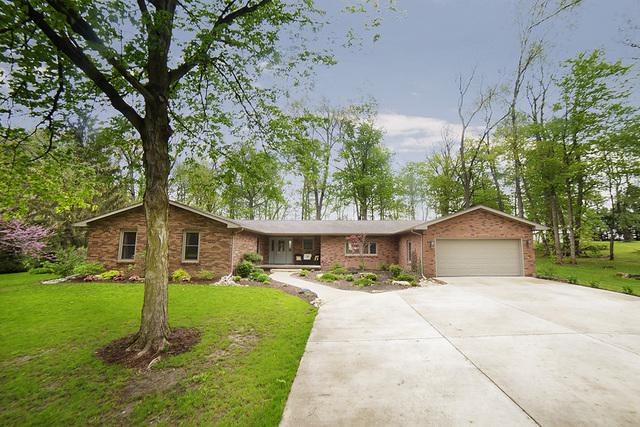 2 Gregory Lane, Lexington, IL 61753 (MLS #10378218) :: Berkshire Hathaway HomeServices Snyder Real Estate