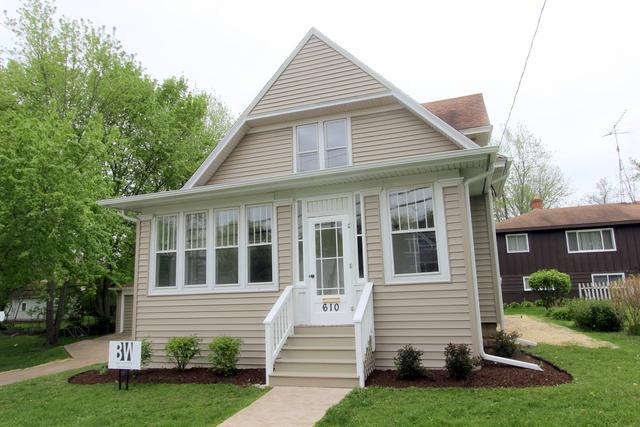 610 Amsterdam Street, Woodstock, IL 60098 (MLS #10379387) :: Berkshire Hathaway HomeServices Snyder Real Estate