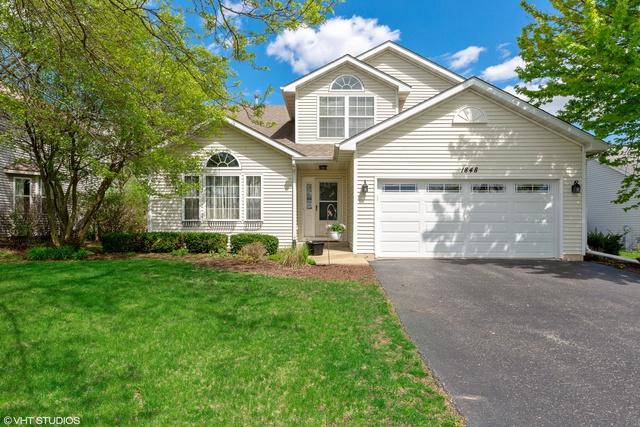 1848 Silver Rock Drive, Crest Hill, IL 60403 (MLS #10379715) :: Berkshire Hathaway HomeServices Snyder Real Estate