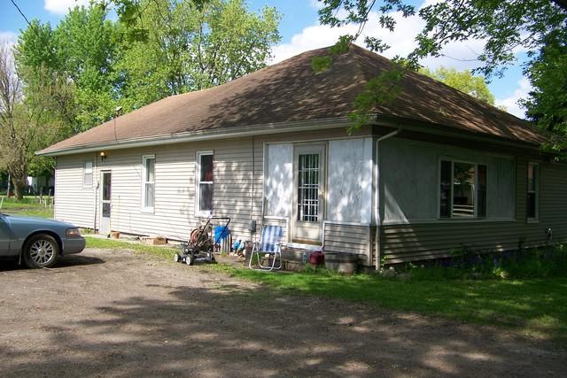 402 W Cherry Street, Fairbury, IL 61739 (MLS #10379810) :: Property Consultants Realty