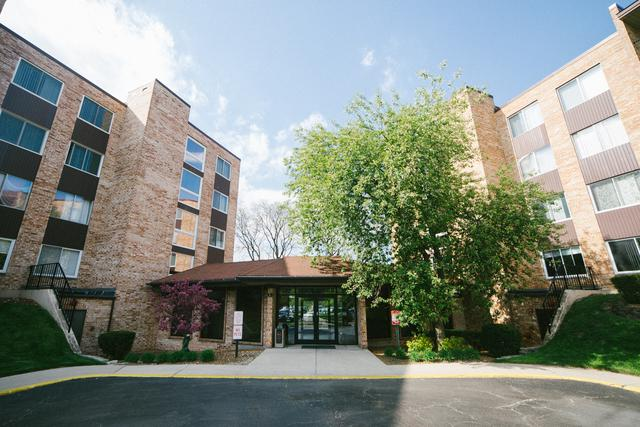 500 W Huntington Commons Road #151, Mount Prospect, IL 60056 (MLS #10379960) :: Berkshire Hathaway HomeServices Snyder Real Estate