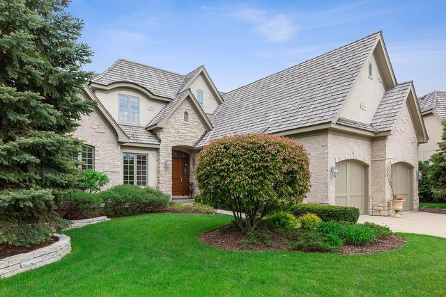 74 Forest Gate Circle, Oak Brook, IL 60523 (MLS #10380003) :: Berkshire Hathaway HomeServices Snyder Real Estate