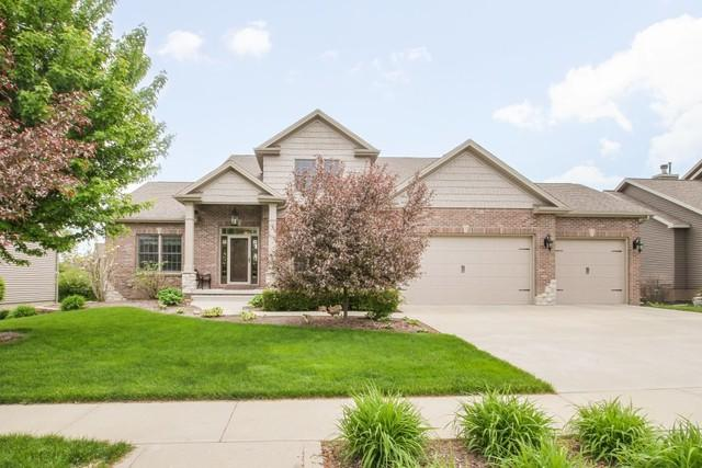 2801 Stevenson Drive, Bloomington, IL 61704 (MLS #10380387) :: Berkshire Hathaway HomeServices Snyder Real Estate