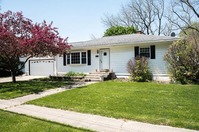 1209 N Jefferson Avenue, Dixon, IL 61021 (MLS #10380464) :: Property Consultants Realty