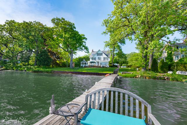 1031 N Shore Drive, Crystal Lake, IL 60014 (MLS #10380551) :: Berkshire Hathaway HomeServices Snyder Real Estate