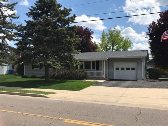 2428 Shooting Park Road, Peru, IL 61354 (MLS #10380642) :: Berkshire Hathaway HomeServices Snyder Real Estate