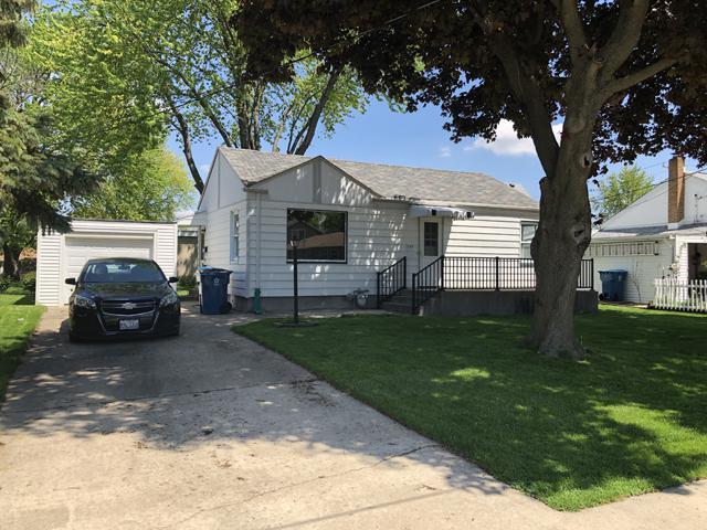 2009 9th Street, Peru, IL 61354 (MLS #10380691) :: Berkshire Hathaway HomeServices Snyder Real Estate