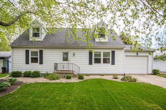 3104 Winchester Drive, Bloomington, IL 61704 (MLS #10380792) :: Berkshire Hathaway HomeServices Snyder Real Estate