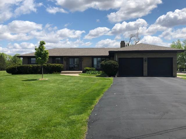 1206 Countryside Lane, Pontiac, IL 61764 (MLS #10380933) :: Century 21 Affiliated