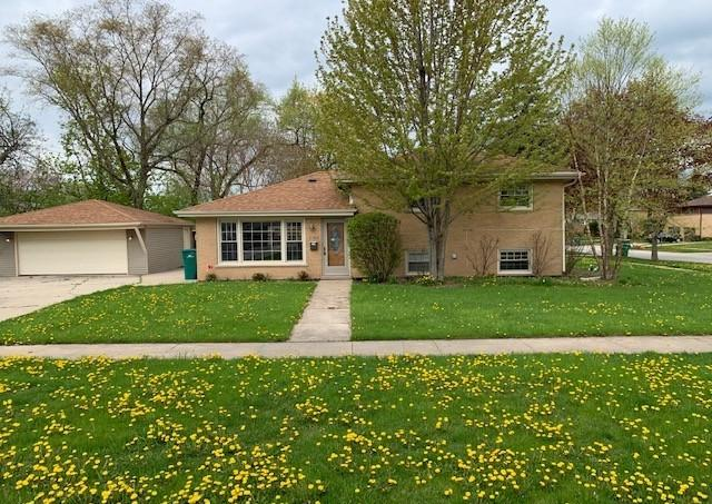 1301 Anthony Road, Wheeling, IL 60090 (MLS #10381173) :: Century 21 Affiliated