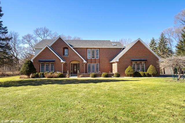 394 Whispering Pines Court, Inverness, IL 60010 (MLS #10381243) :: Berkshire Hathaway HomeServices Snyder Real Estate