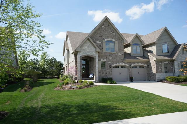 9922 Folkers Drive, Frankfort, IL 60423 (MLS #10381326) :: Century 21 Affiliated