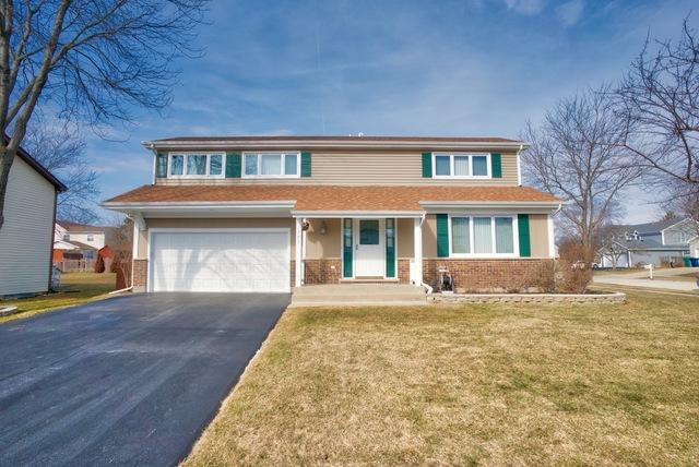 1377 Sandy Pass Road, Lake Zurich, IL 60047 (MLS #10381419) :: Helen Oliveri Real Estate