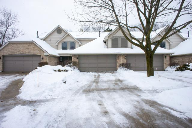 144 Benton Lane, Bloomingdale, IL 60108 (MLS #10381424) :: Berkshire Hathaway HomeServices Snyder Real Estate