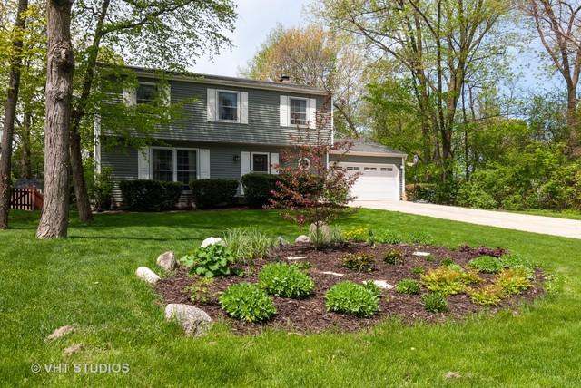 1030 Viking Court, Batavia, IL 60510 (MLS #10381435) :: Berkshire Hathaway HomeServices Snyder Real Estate
