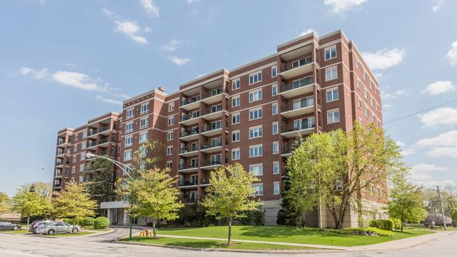 5555 N Cumberland Avenue #413, Chicago, IL 60656 (MLS #10381438) :: Berkshire Hathaway HomeServices Snyder Real Estate