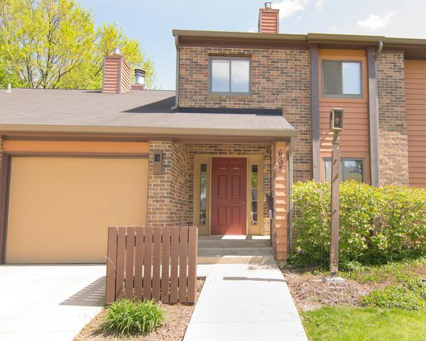 665 Waverly Drive A, Elgin, IL 60120 (MLS #10381650) :: Berkshire Hathaway HomeServices Snyder Real Estate