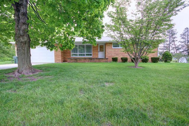 110 N Mckinley Drive, Mahomet, IL 61853 (MLS #10381655) :: Ryan Dallas Real Estate