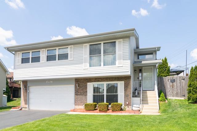 1574 Brookside Drive, Hoffman Estates, IL 60169 (MLS #10382136) :: Berkshire Hathaway HomeServices Snyder Real Estate
