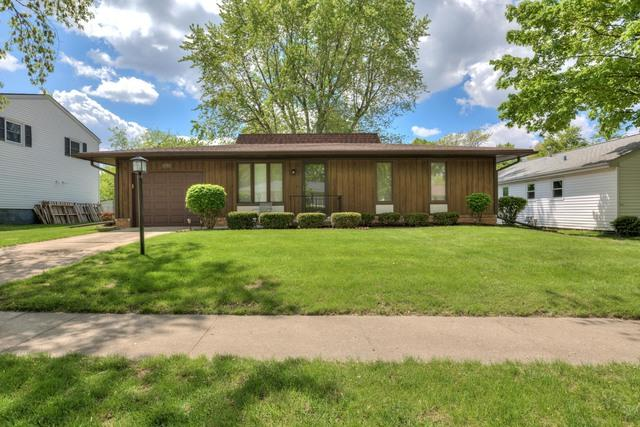 1230 Townley Drive, Bloomington, IL 61704 (MLS #10382274) :: Berkshire Hathaway HomeServices Snyder Real Estate