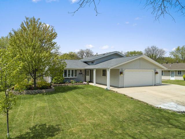 320 Desmond Drive, Schaumburg, IL 60193 (MLS #10382315) :: Berkshire Hathaway HomeServices Snyder Real Estate