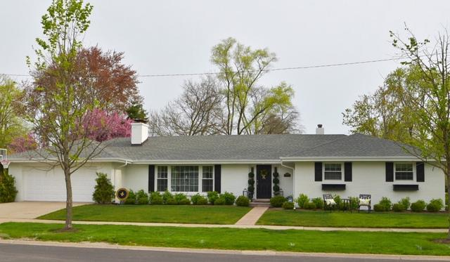 9300 Lincolnwood Drive, Evanston, IL 60203 (MLS #10382446) :: Property Consultants Realty