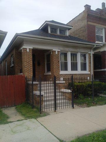2240 W Garfield Boulevard, Chicago, IL 60609 (MLS #10382881) :: Century 21 Affiliated