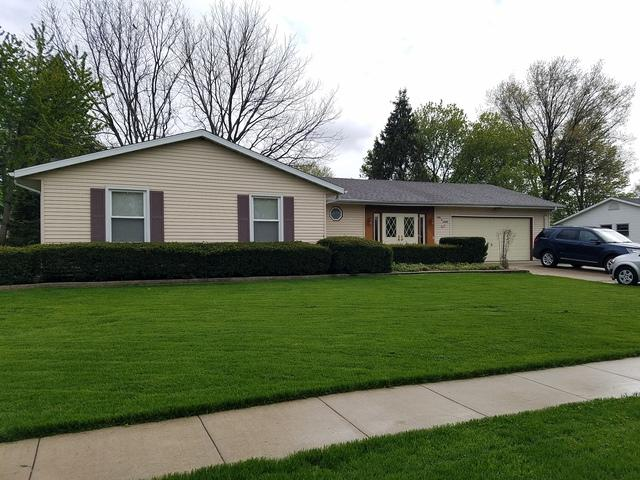 208 Linder Lane, Rochelle, IL 61068 (MLS #10382914) :: Berkshire Hathaway HomeServices Snyder Real Estate