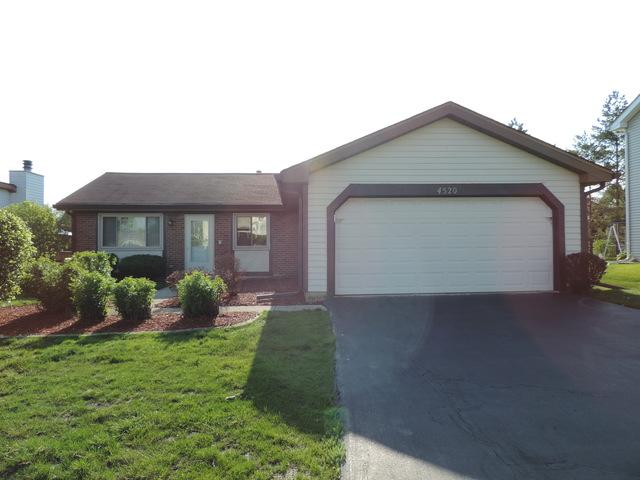 4520 Zeppelin Drive, Hanover Park, IL 60133 (MLS #10383154) :: Berkshire Hathaway HomeServices Snyder Real Estate