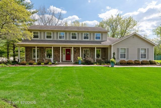 35W915 Fieldcrest Drive, St. Charles, IL 60175 (MLS #10383163) :: Berkshire Hathaway HomeServices Snyder Real Estate