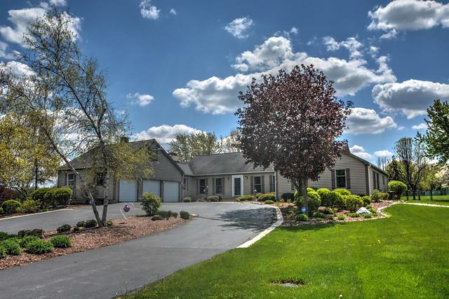 22819 W Owens Road, Mundelein, IL 60060 (MLS #10383276) :: Berkshire Hathaway HomeServices Snyder Real Estate