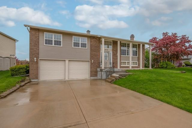 1479 Armstrong Lane, Elk Grove Village, IL 60007 (MLS #10383402) :: Property Consultants Realty