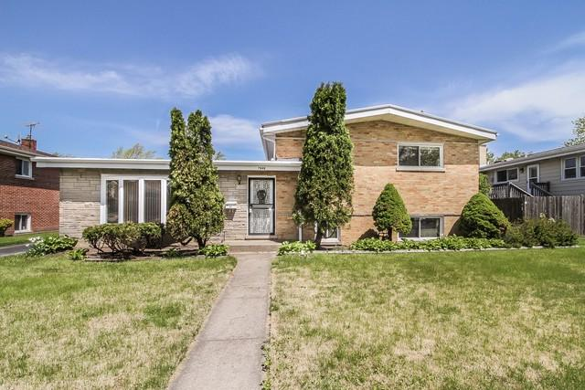 7848 Churchill Street, Morton Grove, IL 60053 (MLS #10383409) :: Berkshire Hathaway HomeServices Snyder Real Estate