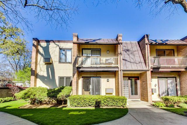 1751 Henley Street 1N, Glenview, IL 60025 (MLS #10383426) :: Berkshire Hathaway HomeServices Snyder Real Estate