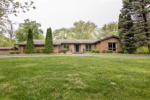 5936 Bentley Avenue, Willowbrook, IL 60527 (MLS #10383429) :: Berkshire Hathaway HomeServices Snyder Real Estate