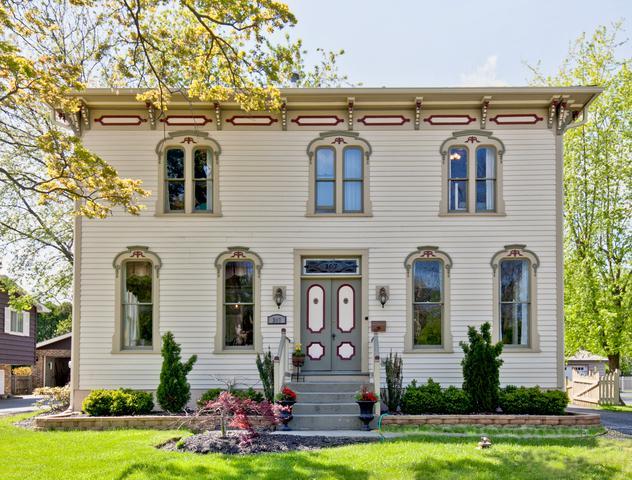 307 Brainerd Avenue, Libertyville, IL 60048 (MLS #10383530) :: Century 21 Affiliated