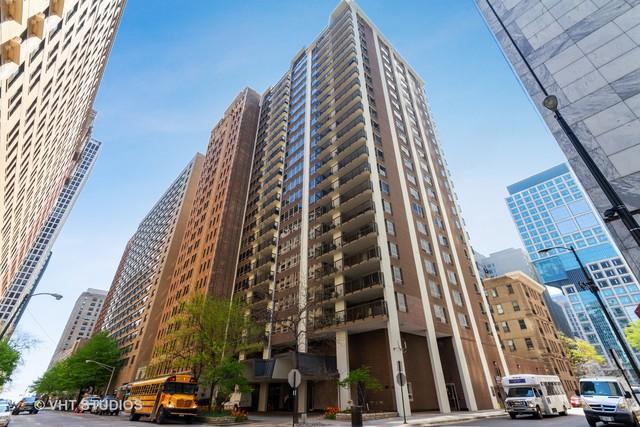 201 E Chestnut Street 7F, Chicago, IL 60610 (MLS #10383541) :: Berkshire Hathaway HomeServices Snyder Real Estate