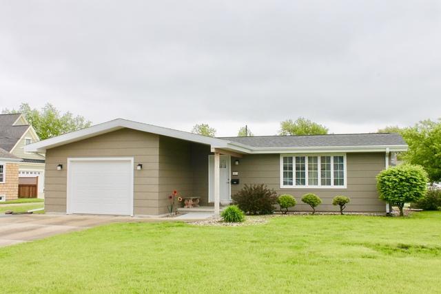 424 5th Avenue, Ottawa, IL 61350 (MLS #10383831) :: Berkshire Hathaway HomeServices Snyder Real Estate