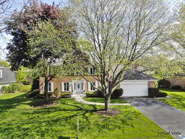 19W127 Avenue Latour, Oak Brook, IL 60523 (MLS #10383841) :: Berkshire Hathaway HomeServices Snyder Real Estate
