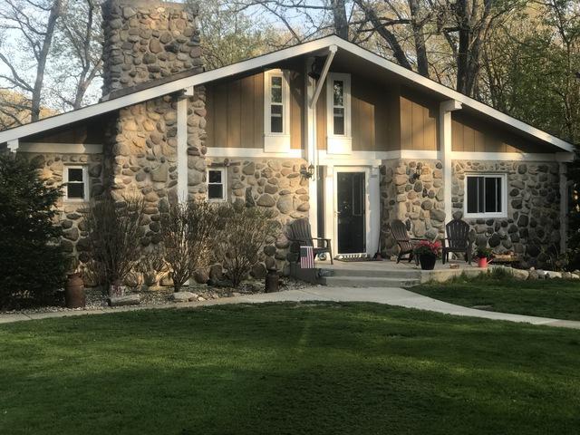 9210 W Wonder Lake Road, Woodstock, IL 60098 (MLS #10383861) :: Lewke Partners
