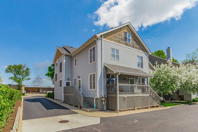55 W Johnson Street, Palatine, IL 60067 (MLS #10383957) :: Berkshire Hathaway HomeServices Snyder Real Estate