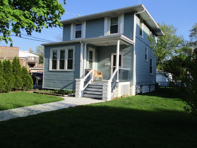 5015 W Hutchinson Street, Chicago, IL 60641 (MLS #10384155) :: Berkshire Hathaway HomeServices Snyder Real Estate