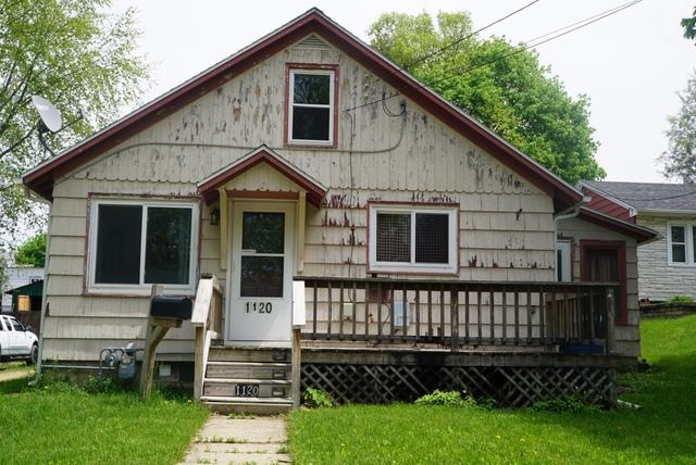 1120 Hemlock Avenue, Dixon, IL 61021 (MLS #10384184) :: Property Consultants Realty