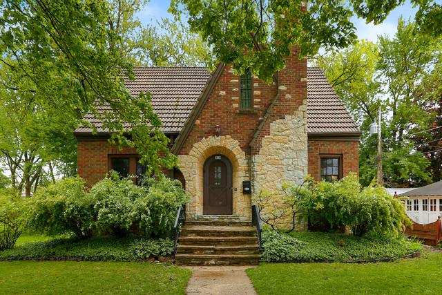 310 Center Street, West Chicago, IL 60185 (MLS #10384217) :: Berkshire Hathaway HomeServices Snyder Real Estate