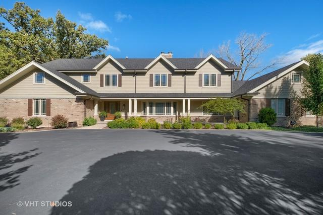 11 Winfield Drive, Northfield, IL 60093 (MLS #10384219) :: Helen Oliveri Real Estate