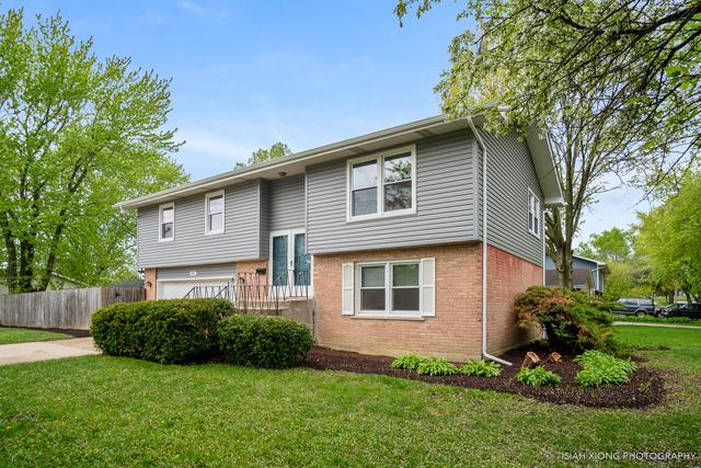 705 Harmony Drive, North Aurora, IL 60542 (MLS #10384293) :: Berkshire Hathaway HomeServices Snyder Real Estate